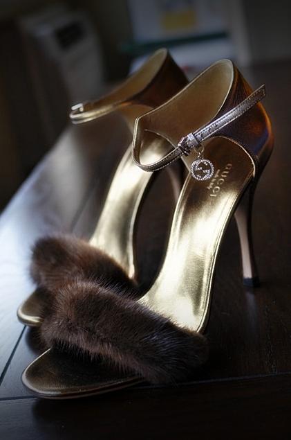 gucci_fur_heels_cinderella